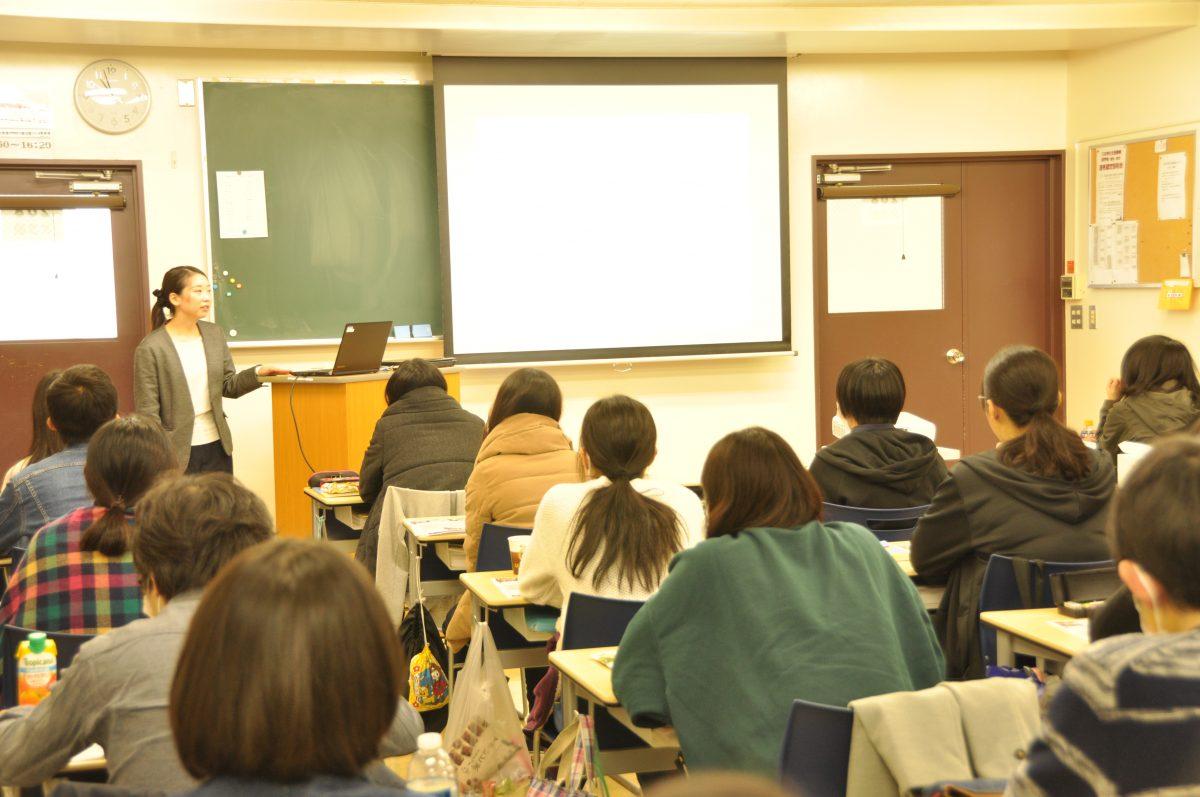 管理栄養士科対象の卒業生講話が実施されました。